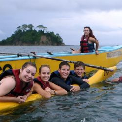 Paddle Around The Pristine Beaches Of Playa Agujas Just 20 Minutes From Jaco Beach Sea Kayaks Let You Get Into Nooks And Crannies Costa Rican