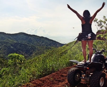 http://lostbeachtours.com/wp-content/uploads/2015/09/ATV-jaco-costa-rica-tours-standing-450x368.jpg