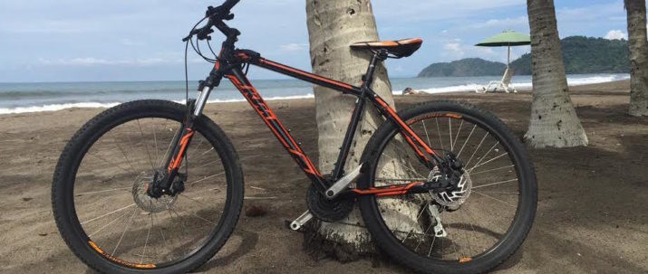 http://lostbeachtours.com/wp-content/uploads/2015/09/jaco-beach-rentals-mountain-bikes-715x303.jpg
