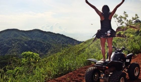 https://lostbeachtours.com/wp-content/uploads/2016/08/ATV-jaco-costa-rica-tours-standing1-450x2631-450x263-1-559x327.jpg